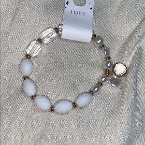 """NWT LOFT white/clear 7.5"""" stretch bracelet"""